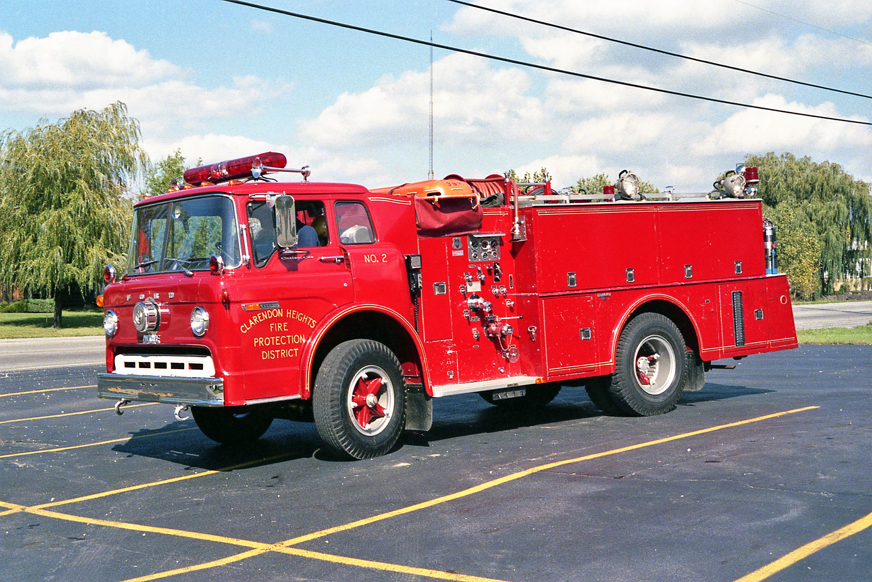 CLARENDON HEIGHTS SQUAD 392 1977 FORD C800 - HOWE 500-300 #15011