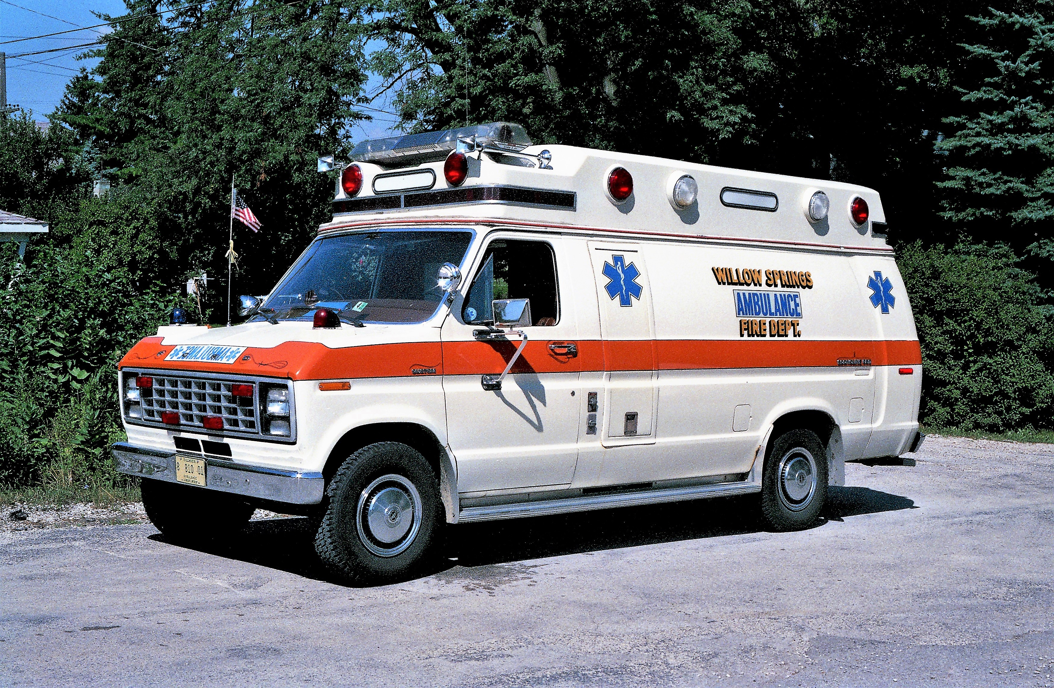 WILLOW SPRINGS AMBULANCE 604 1981 FORD - STARLINE