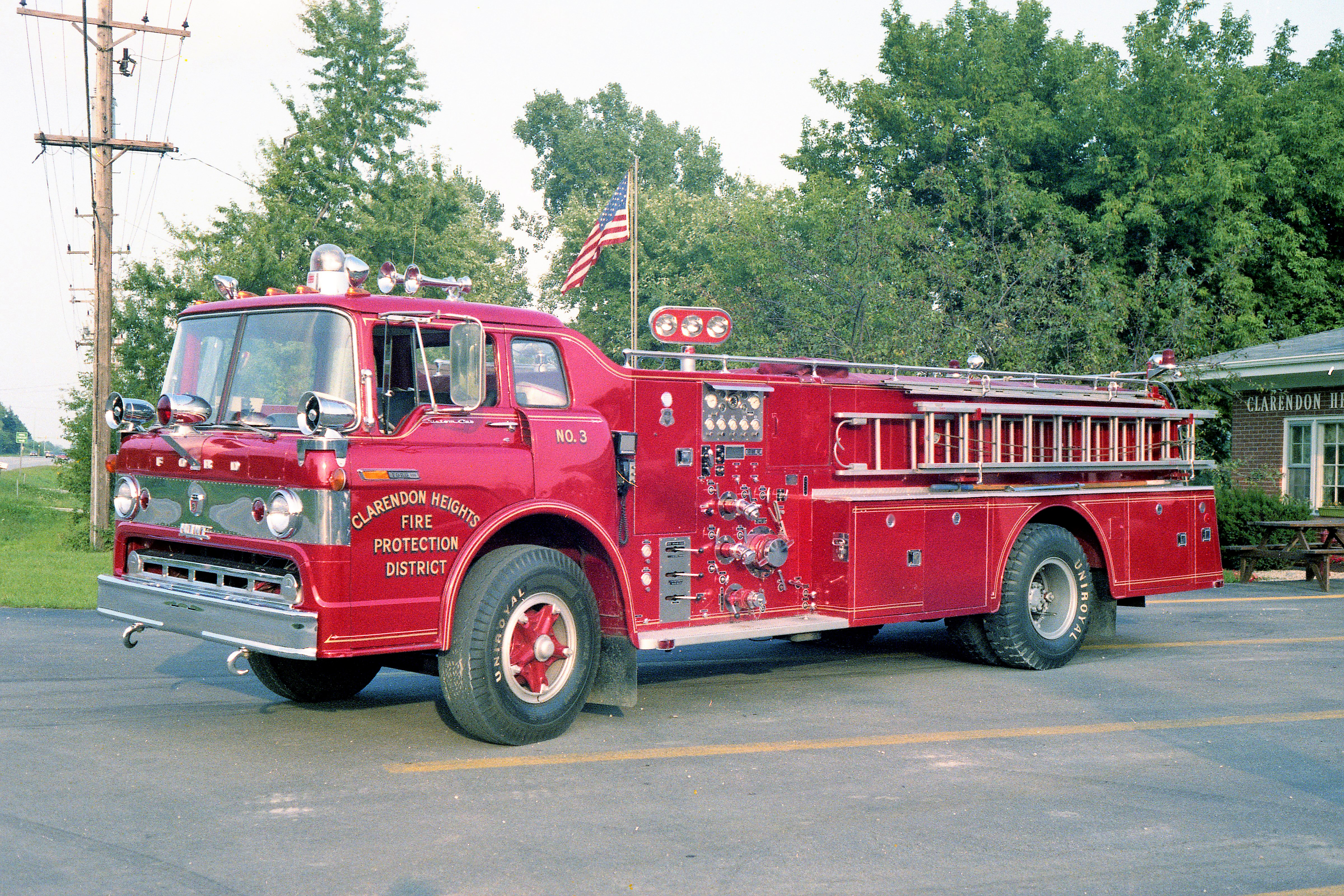 CLARENDON HEIGHTS ENGINE 393 1971 FORD C800 - HOWE 1000-600 #13223
