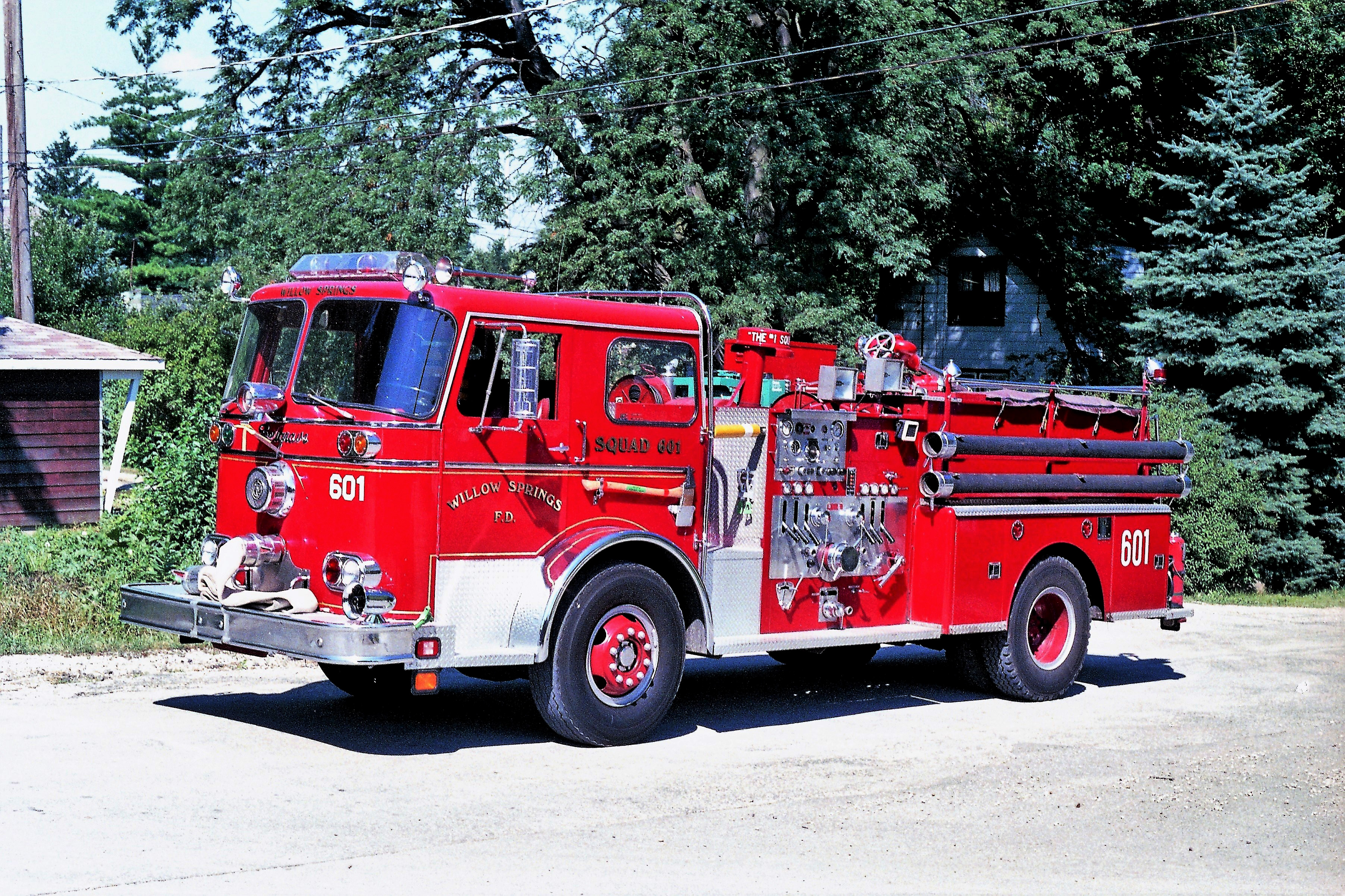 WILLOW SPRINGS ENGINE 601 1967 SEAGRAVE 1000-500 X- BEDFORD PARK FD