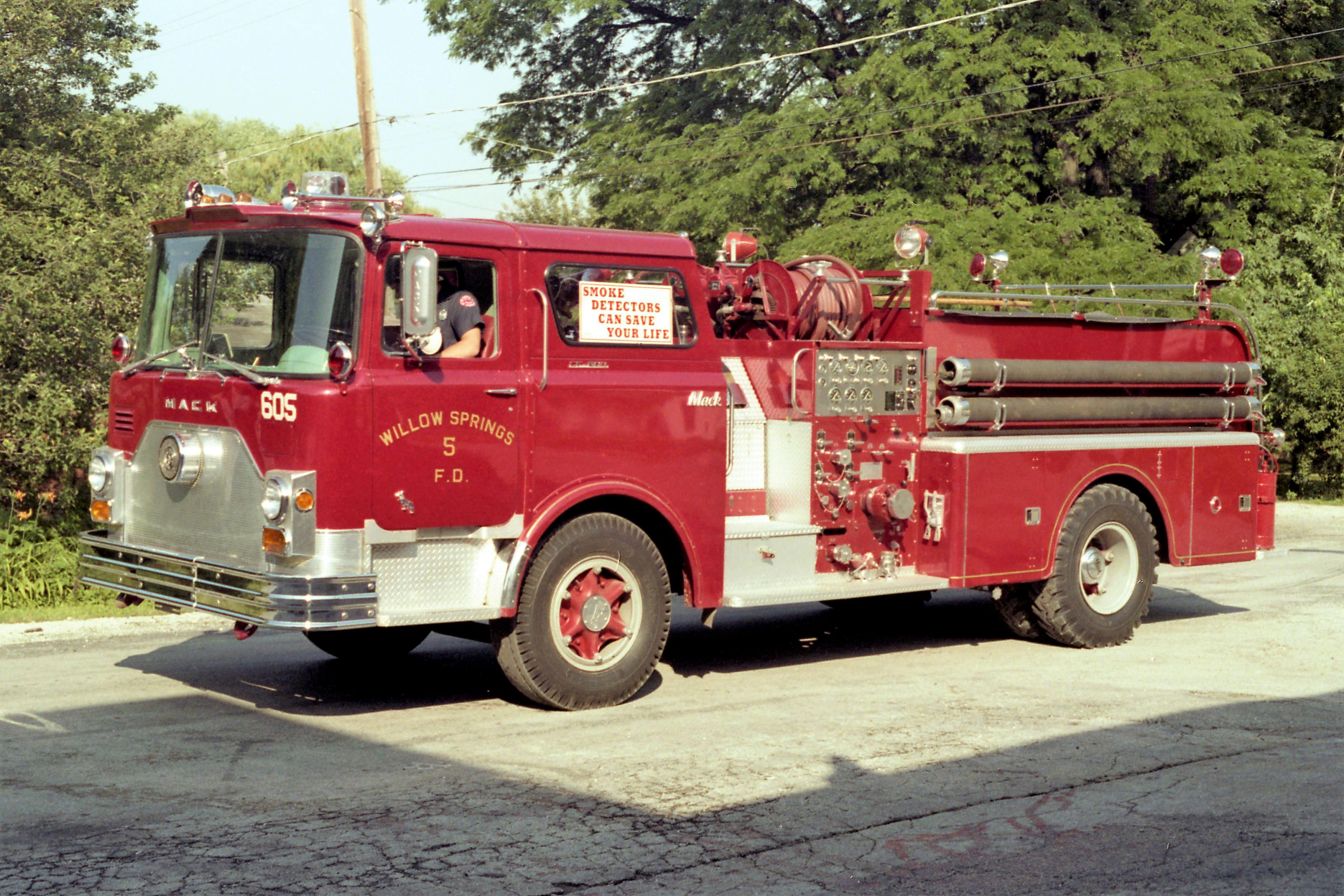 WILLOW SPRINGS ENGINE 605 1969 MACK CF 1000-500 CF611F10-1220