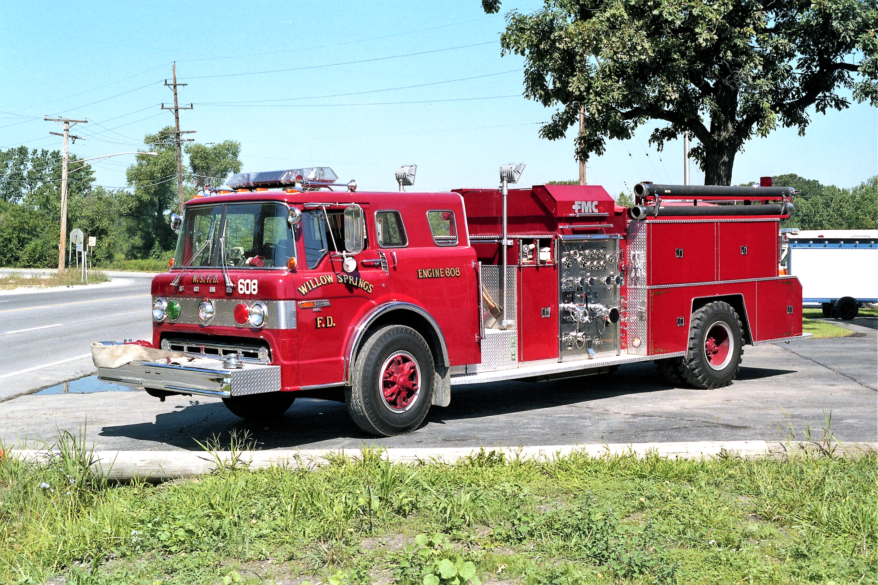 WILLOW SPRINGS ENGINE 608 1981 FORD C8000 - FMC 1000-750 #293-81