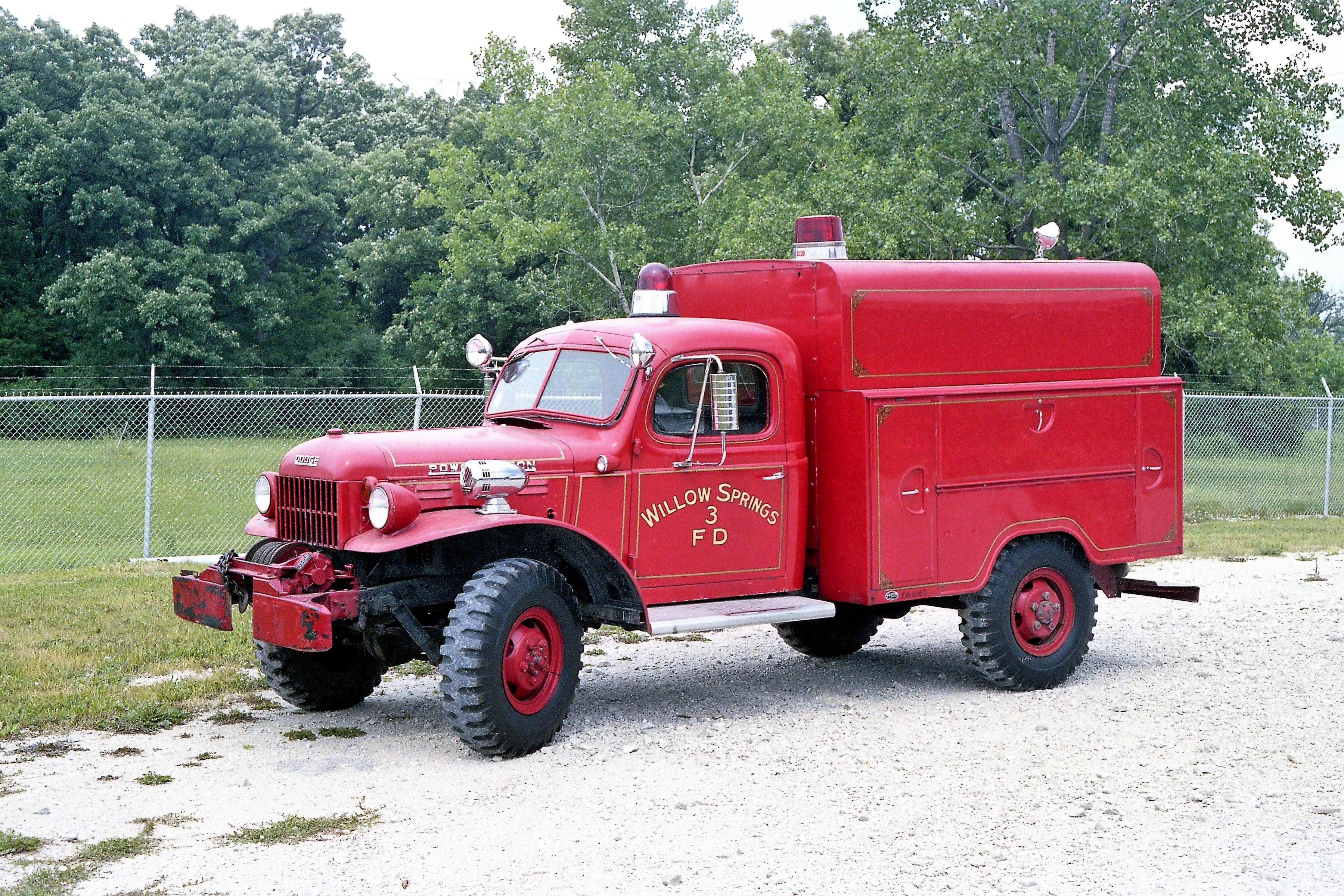 WILLOW SPRINGS SQUAD 603 1946 DODGE 4X4 - PLATT BODY